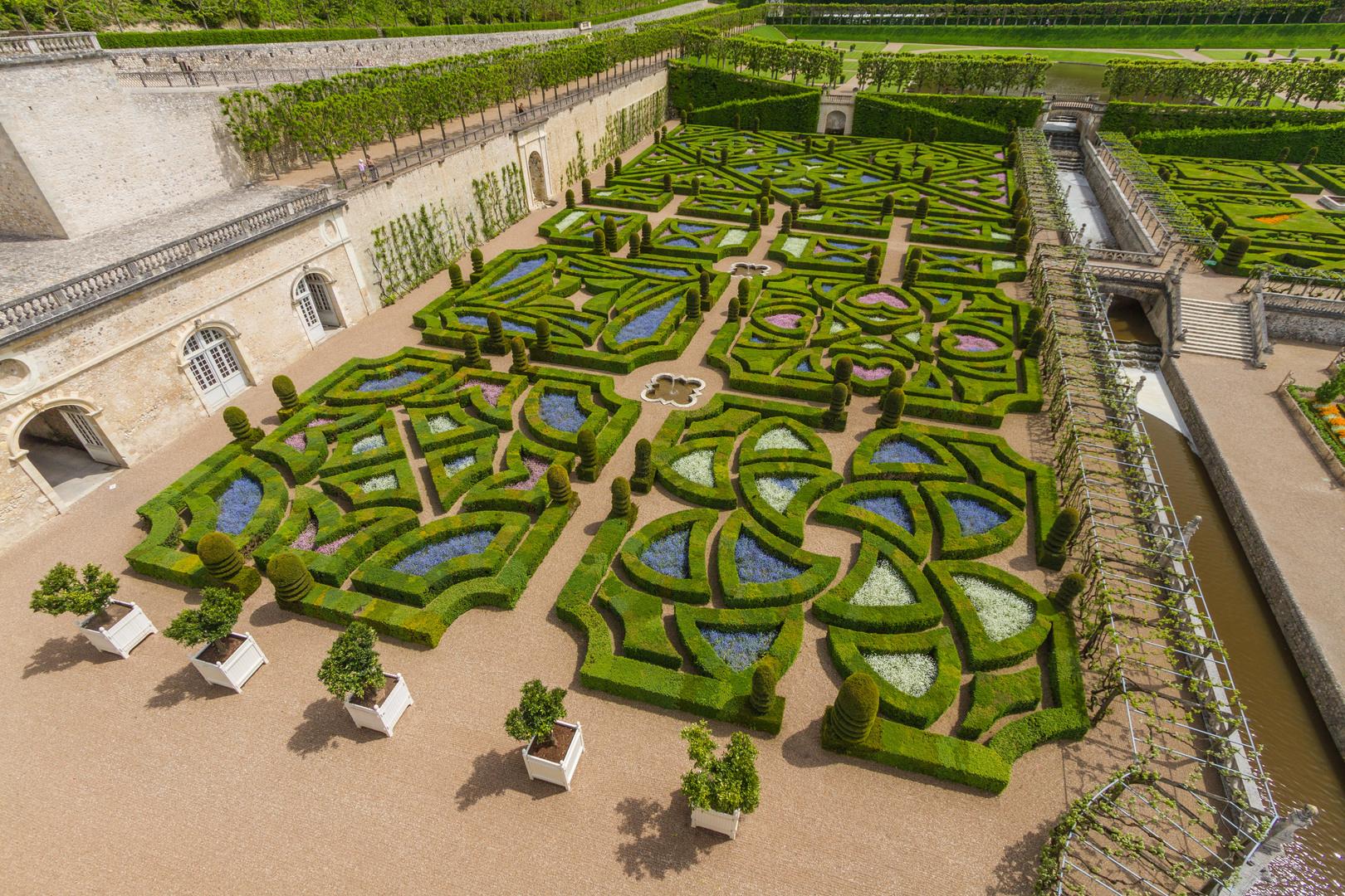 jardin à la française statues