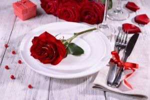 5 id es qui transformeront votre table de saint valentin - Table de saint valentin ...