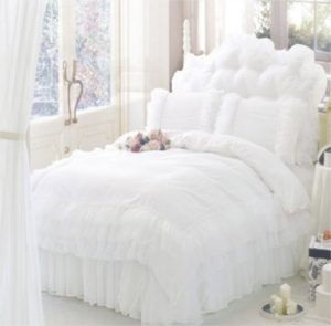 couvre lit romantique blanc