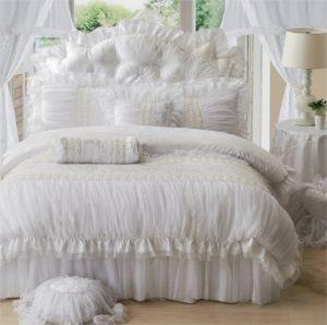 Couvre-lit romantique blanc en dentelle